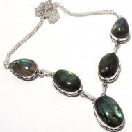 Серебряное ожерелье с крупным лабрадоритом