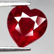 2.25Ct Натуральный рубин сердце 7.8*7.3мм