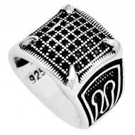 Перстень из серебра с черным ониксом 19р