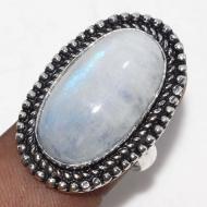 Классическое кольцо с лунным камнем 17.5р