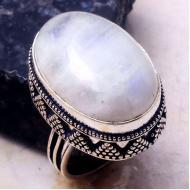 Кольцо в винтажном стиле с натуральным лунным камнем 18р