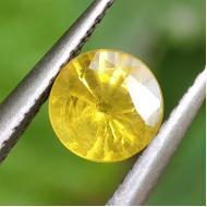 0.98Ct Натуральный Желтый Сапфир 6мм (Сертификат)