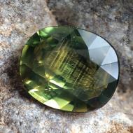 0.6Ct Желто-зеленый не гретый натуральный сапфир 5.5*4.5мм