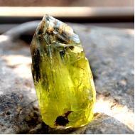11.28Ct Необработанный хризолит (перидот) кристалл 17.7*10.4мм