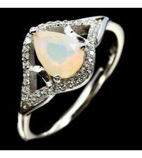Серебряное кольцо с натуральным эфиопским опалом 18р