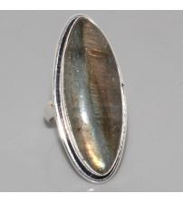 Серебряное кольцо с натуральным лабрадоритом 17.5р