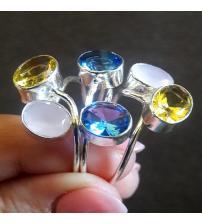 Серебряное кольцо с мультикамнями 20р