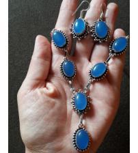 Серебряный набор с халцедоном: серьги и ожерелье