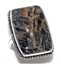 Серебряное кольцо с дендрическим опалом 18р