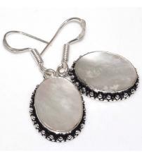 Серебряные серьги с перламутром в винтажном стиле