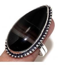 Серебряное кольцо с натуральным черным ониксом 19р