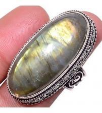 Серебряный перстень с лабрадоритом в внитажном стиле 17.5р