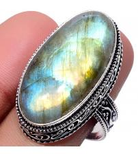 Серебряный перстень с лабрадоритом в внитажном стиле 20р