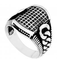 Серебряный перстень с черным ониксом 20.5р