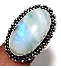 Серебряное кольцо с натуральным лунным камнем 17р