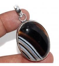 Срібний кулон з чорно-коричневим агатом