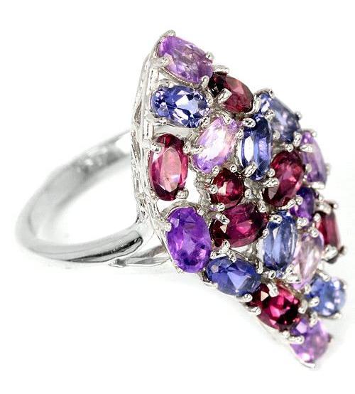 Крупное серебряное кольцо с натуральными иолитами, аметистами и родолит гранатами 17р