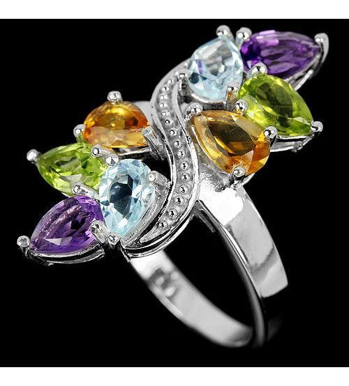 Серебряное кольцо с натуральными самоцветами 17.5р