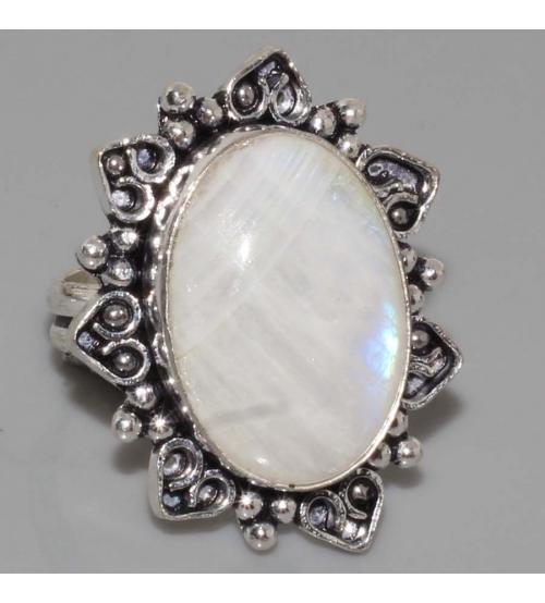 Кольцо серебро лунный камень 19р