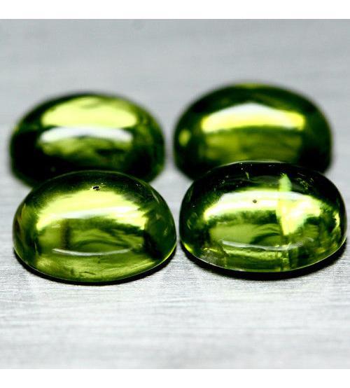 2.48Ct Натуральный хризолит (перидот) кабошон 9*7мм (Цена за 1шт.)