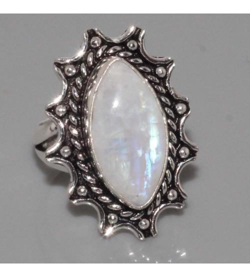 Серебряное кольцо с лунным камнем (адуляром) 18р