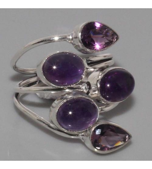 Серебряное кольцо с натуральным аметистом 19р