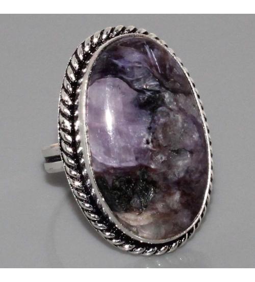 Серебряное кольцо с натуральным чароитом 17р