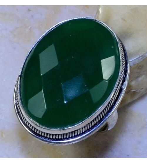 Серебряное кольцо с граненным зеленым ониксом 17.5р