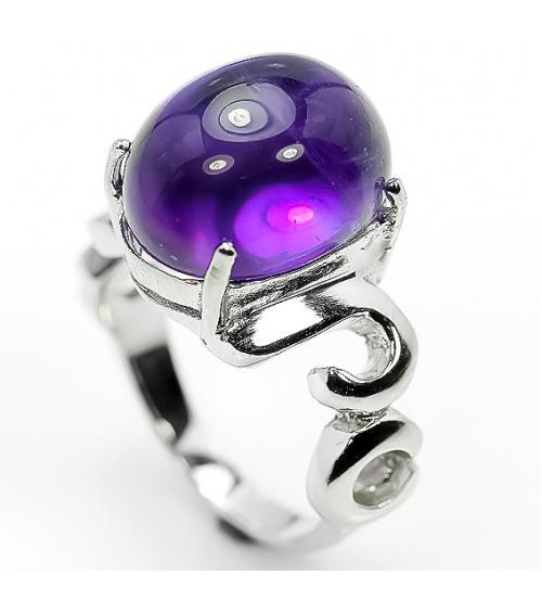 Серебряное кольцо с крупным аметистом 20р