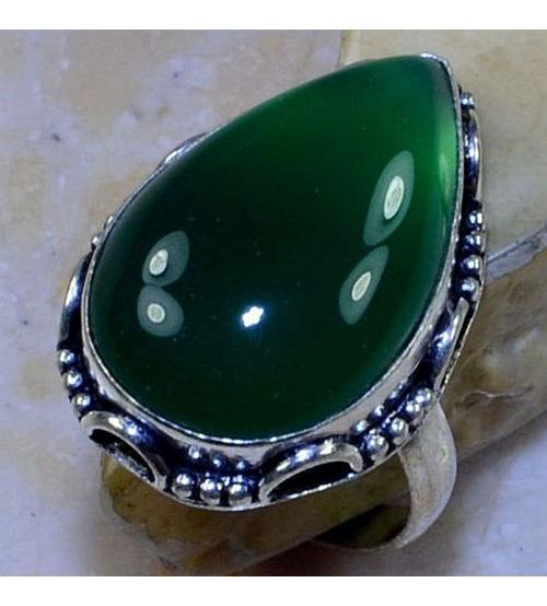 Серебряное кольцо с зеленым ониксом 19.5р