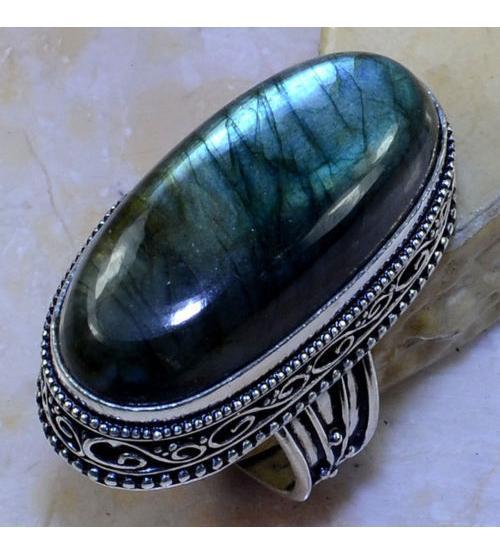 Винтажный серебряный перстень с лабрадоритом 19р