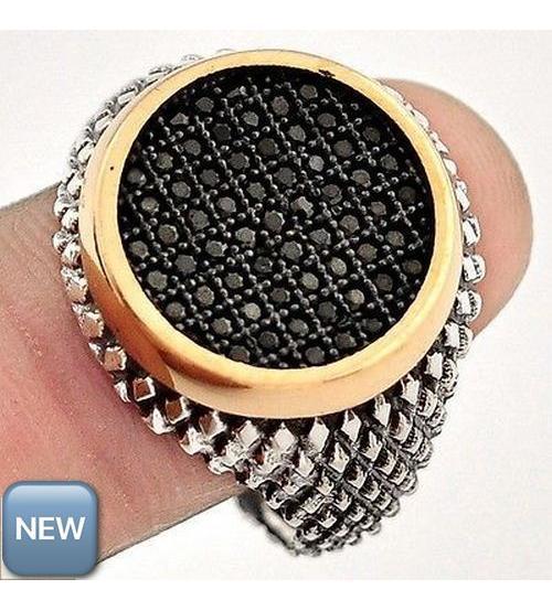 Серебряный перстень с черными сапфирами 21р