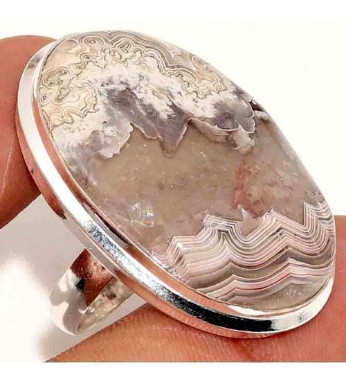 Серебряное кольцо с натуральным кружевным агатом 17р