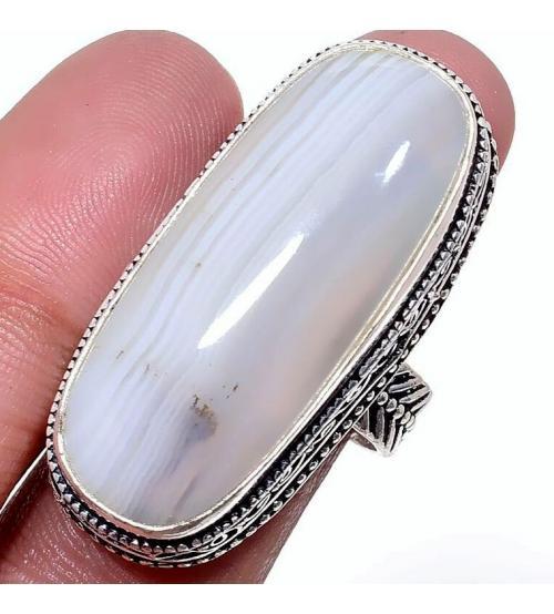 Серебряное кольцо с молочным агатом 18р
