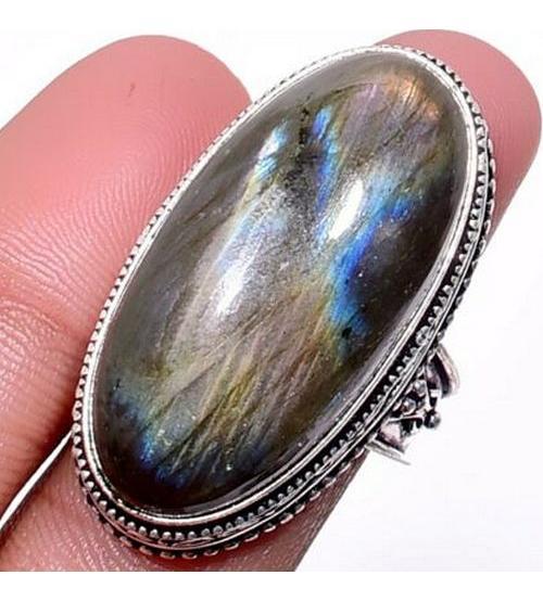Серебряный перстень с лабрадоритом в внитажном стиле 17р