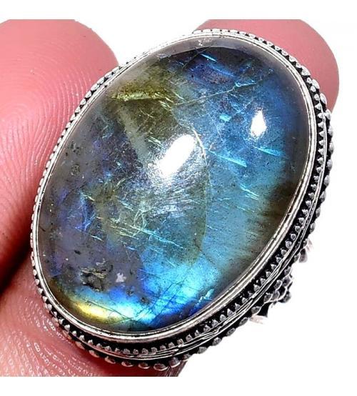 Серебряный перстень с лабрадоритом в внитажном стиле 19р