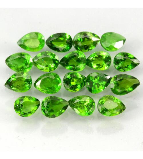 0.18Ct Натуральный камень зеленый Хромдиопсид 4*3мм груша (цена за 1шт)