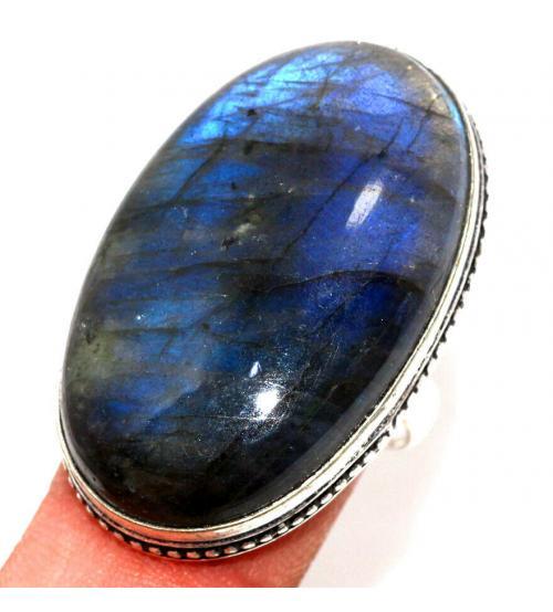 Серебряное кольцо с крупным лабрадоритом 17р