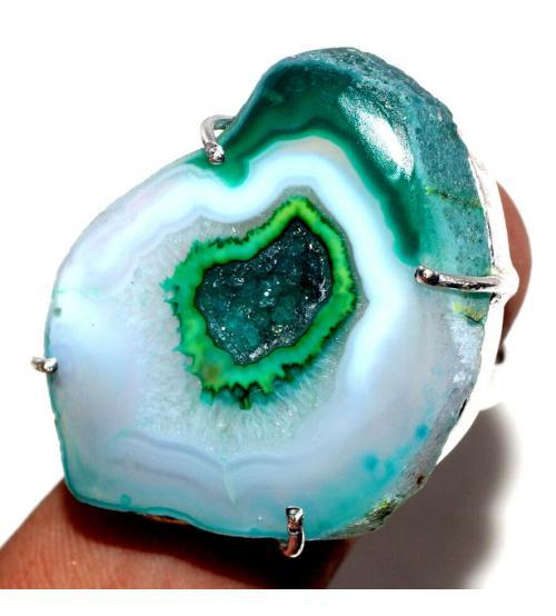 Серебряное кольцо с зеленой жеодой агата 16.5р