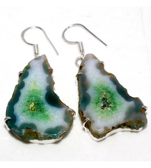 Серебряные серьги с зеленой жеодой агата