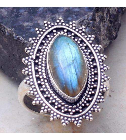 кольцо с лабрадоритом в винтажном стиле