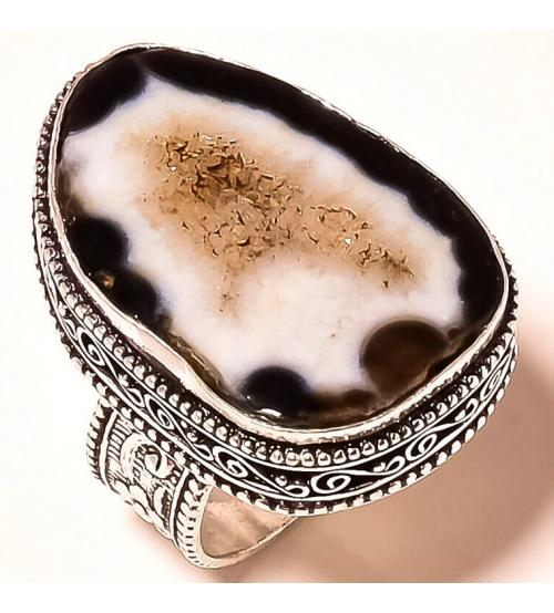 кольцо с черной жеодой агата