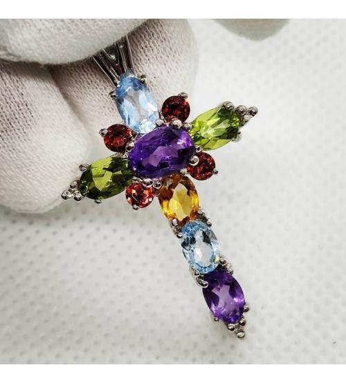 крестик с разноцветными камнями