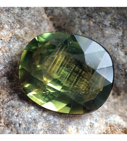 0.6Ct Желто-зеленый не гретый натуральный сапфир 5.5*4.5мм - Высокое качество. Доставка по Украине.