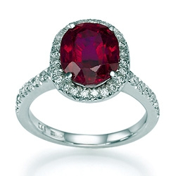 Кольцо с Натуральным Мадагаскарским рубином и бриллиантами