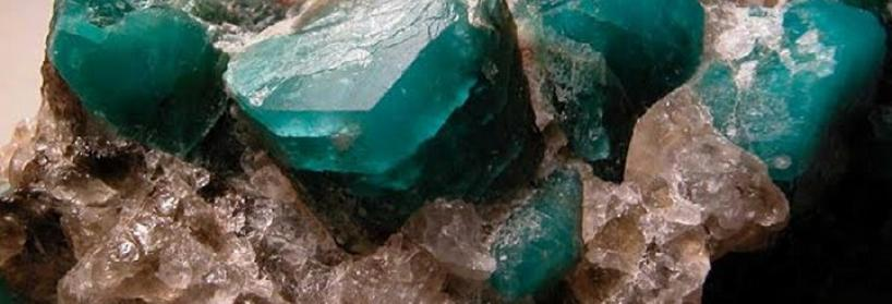 Камень АМАЗОНИТ- фото, значение, магические свойства, знаки зодиака, амазонит в украшениях